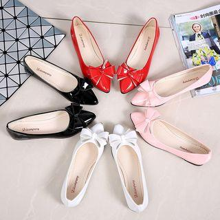Pointed Bow Flats