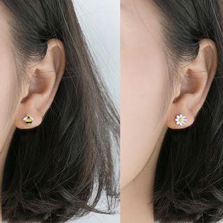 925 Sterling Silver Bee & Daisy Earring 1 Pair - Asymmetric - Bee & Flower - One Size