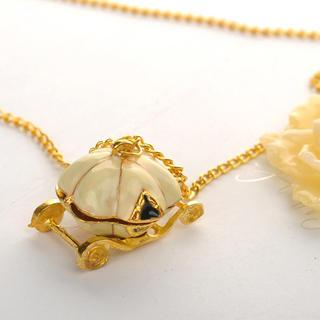 Pumpkin Car Necklace Gold - One Size