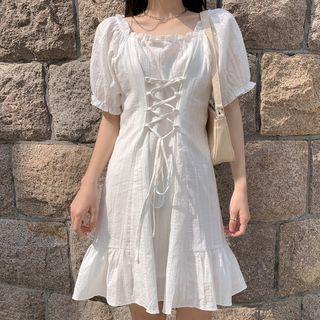 Lace Up Short-sleeve Shift Dress White - One Size