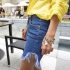 Fringe-hem Denim Shorts