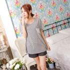 Star-print Lace-pocket T-shirt