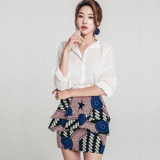 Set: Plain Blouse + Patterned Tiered Skirt
