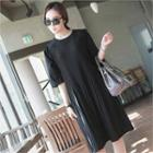Elbow-sleeve Pleated Dress