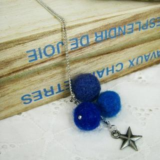 Felt Ball Ball & Star Necklace(blue)