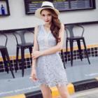 V-neck Lace Sleeveless Dress