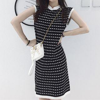 Sleeveless Patterned Mini Knit Dress
