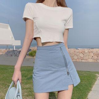 Short-sleeve Asymmetric Crop Top / Zip-side Mini Pencil Skirt