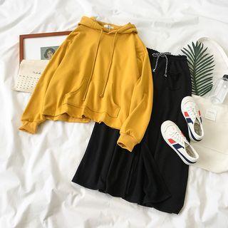 Slit-back Hoodie / A-line Midi Skirt