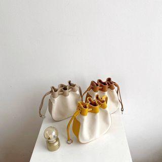 Contrast Trim Drawstring Bucket Bag