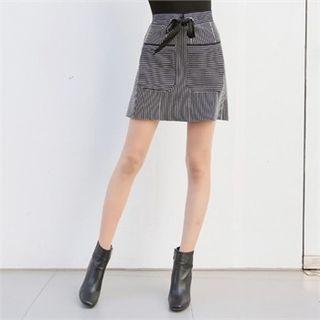 Pocket-front Stripe Mini A-line Skirt