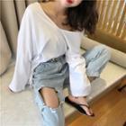 Plain Off-shoulder Loose-fit T-shirt / Distressed Cropped Jeans