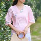 Flower Embroidered Elbow-sleeve V-neck T-shirt