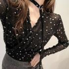 Star Printed V-neck Cropped Blouse