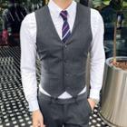 Dual-pocket Buttoned Vest