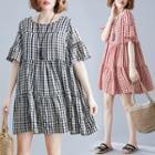 Print Plaid Round-neck Medium Maxi Dress