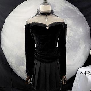 Long-sleeve Sheer Panel Velvet Top Black - One Size