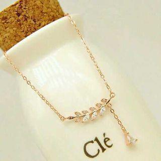 Rhinestone Short Necklace