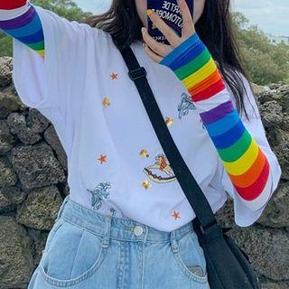 Embroidered Elbow-sleeve T-shirt / Striped Fingerless Gloves