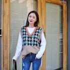 Sleeveless Argyle Pattern Knit Top