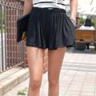 Elastic-waist Pleated Shorts