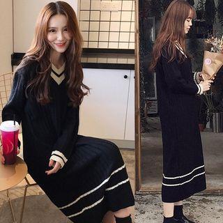 Contrast Trim V-neck Loose-fit Knit Dress