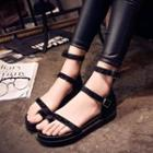 Toe-loop Strappy Flat Sandals