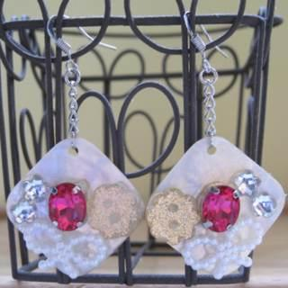 Sea Shell With Ribbon And Earrings