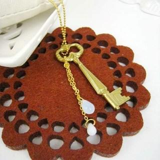 Gold Kingdoms Key Necklace Gold - One Size