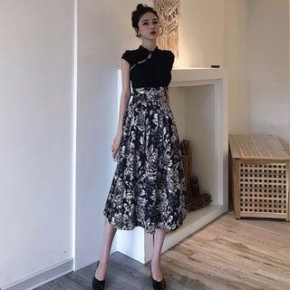 Frog-button Short-sleeve Top / Flower Print Midi A-line Skirt