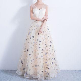 Star Sequined Sleeveless Evening Gown
