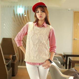 Crew-neck Sleeveless Knit Top