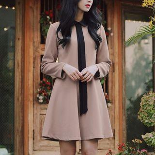 Long-sleeve Bow-tied A-line Dress