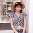 Short-sleeve Plaid Cropped Top