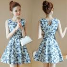Sleeveless Leaf Print A-line Chiffon Dress