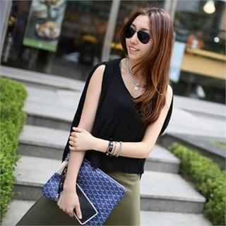 Sleeveless Loose-fit Top