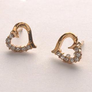 Diamond Heart-shaped Earrings - Gold