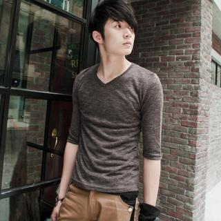 Elbow-sleeve T-shirt