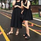 Sleeveless A-line Dress / Midi Dress