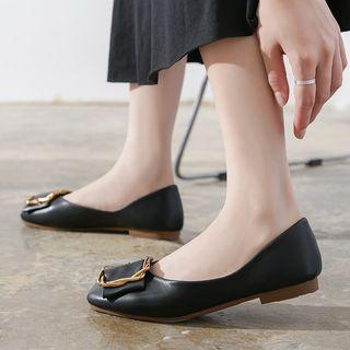Square Buckled Round-toe Flats