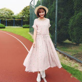 Short-sleeve Pleated Midi Dress