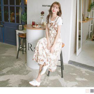 Set: Short-sleeve Plain T-shirt + Sleeveless Floral Ruched Maxi Dress