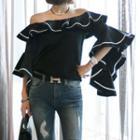 Flare-sleeve Off-shoulder Top / Washed Distressed Skinny Jeans