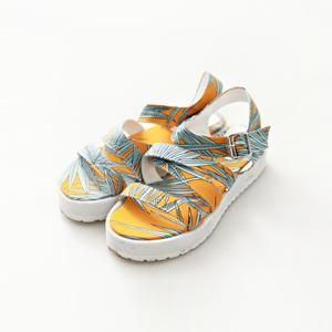Patterned Platform Sandals