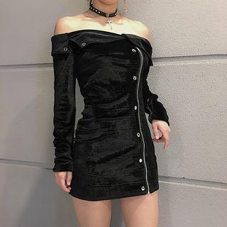 Off-shoulder Long-sleeve Mini Velvet Dress Black - One Size