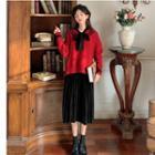 Sleeveless Midi Pleated Dress / V-neck Sweater
