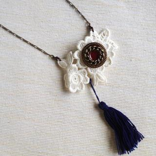 Vintage Lace 2-way Necklace/brooch (navy) One Size