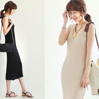 V-neck Ribbed Knit Dress