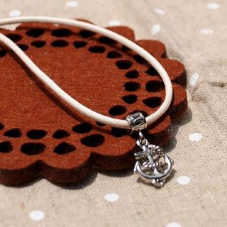 White Sailer Short Necklace
