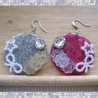 Dazzliing Ribbon And Glitter Earrings